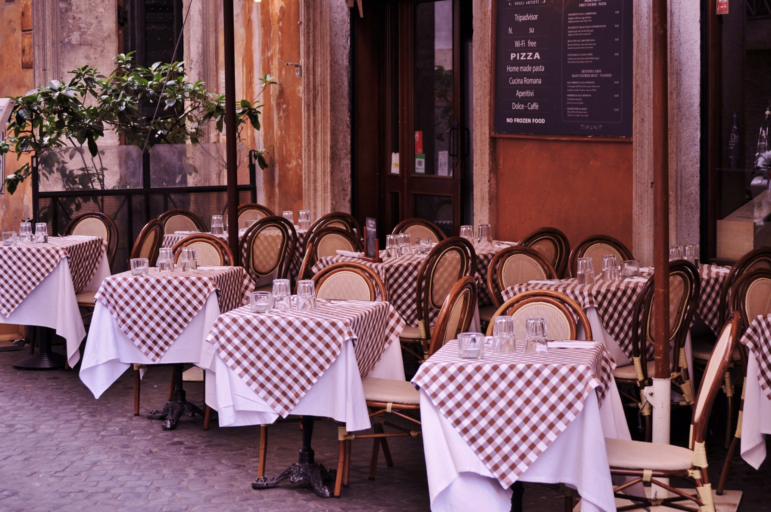 Restaurant Terrace Tables
